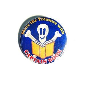 Cartoon captain book skeleton skull pin button